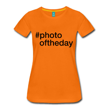 Photooftheday - hashtag som tryk på t-shirt m.m. - #photooftheday